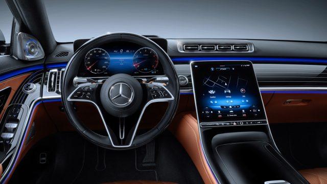 Mercedes Classe S Limousine : voiture de haute technologie